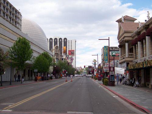 Reno (palo-alto_100_8970.jpg) wird geladen. Eindrucksvolle Fotos von der Westküste Amerikas erwarten Sie.